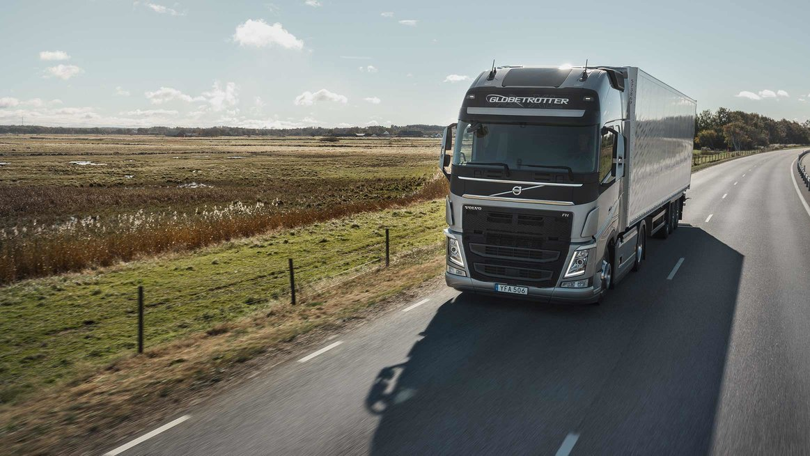 Volvo Trucks saves fuel