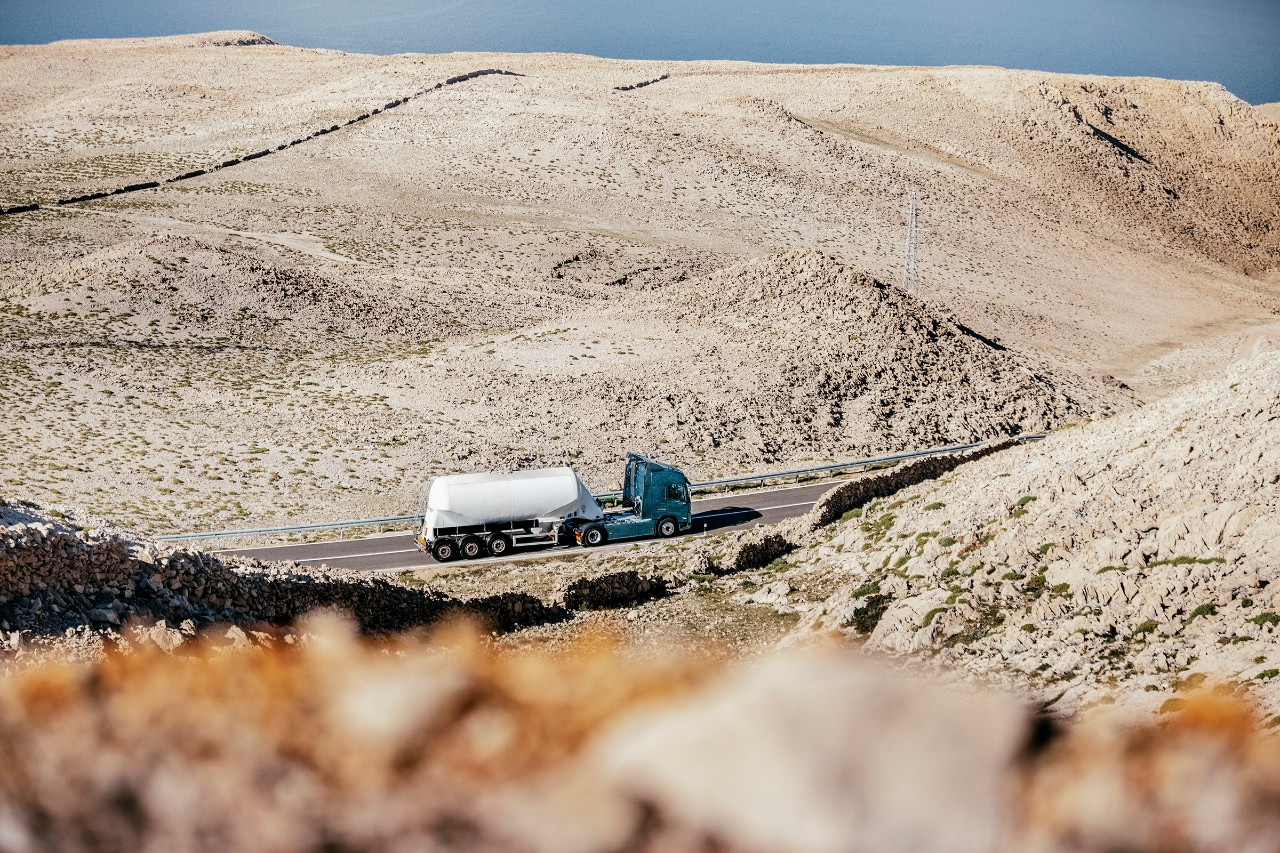 Volvo trucks services servicing planning gold